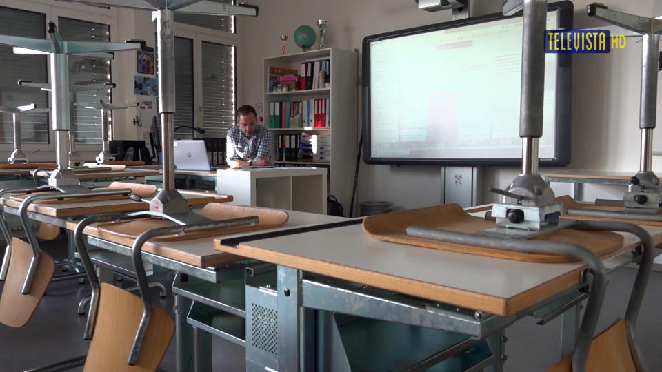 Vorschaubild für Schule – Umstellung auf Fernunterricht