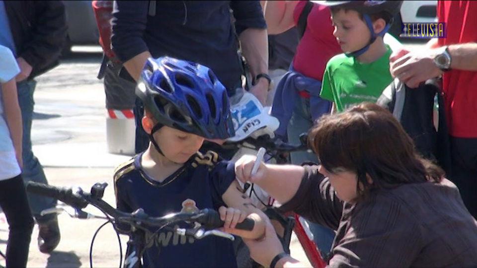 Vorschaubild für Abspann mit Bildern vom Walliseller Triathlon